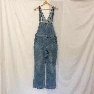 Free people boyfriend denim overalls!
